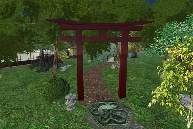 This is the first tori gate that separated my garden from Dakini's section. This gate was an icon of all my gardens until my ex-partner Taka built a new, modifiable one for me.